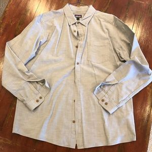 Patagonia men's Button up, gray, XL, excellent!